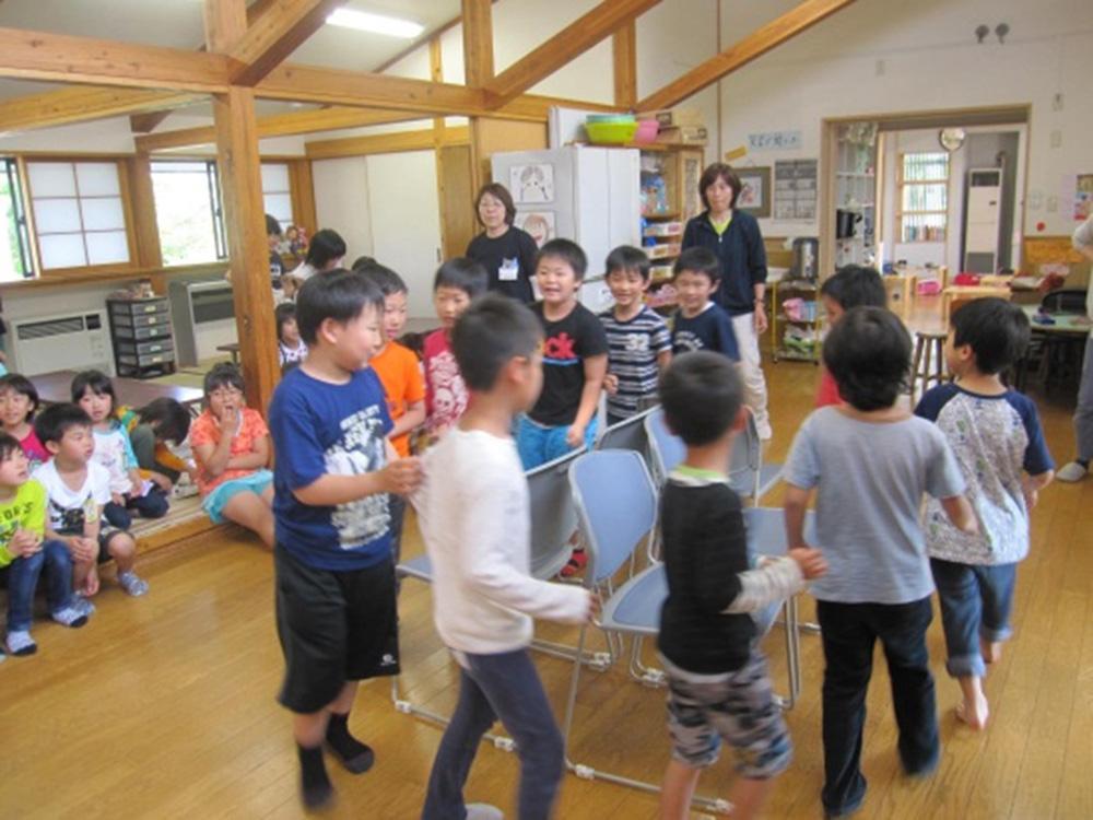 学童のお部屋での楽しい遊び